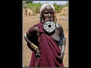Nigerian natuurlijk afrikaans meisje