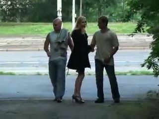 Julie silver en haar trio seks in een park