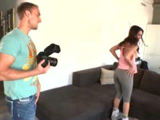 Samia duarte deepthroats the photographer?s dzimumloceklis pirms