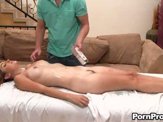 Lusty lovaglás -val kívánós masseur
