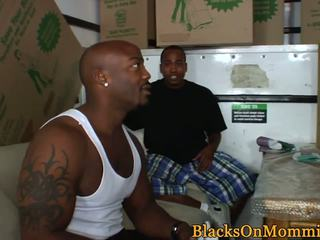 BBC Hungry MILF Takes Multiple Black Loads: Free HD Porn 9d