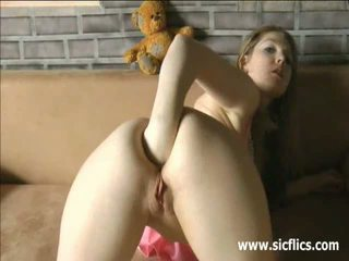 Young amateur slut fisting her ass and vagina