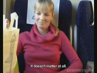 สาธารณะ เพศสัมพันธ์ บน รถไฟ