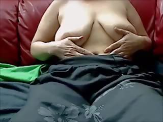 Hot Mom Plays with Her Saggy Tits on Webcam: Free Porn 1c