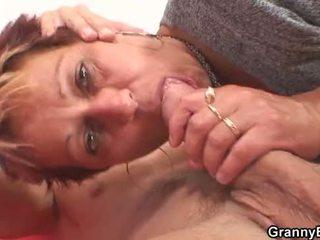 Er fucks sie rasiert alt muschi