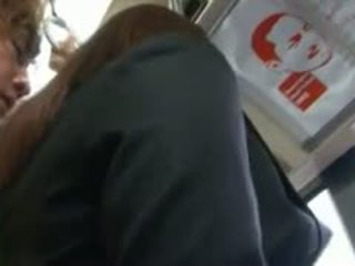 Yuma asami in bus