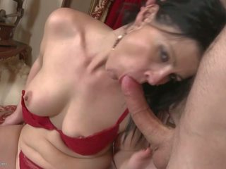 Desperate Housewives Suck and Fuck Young Boys: Free Porn 2c