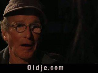 76 старий людина з великий хуй drill солодка підліток