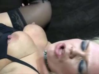 Blonde mature ronde anal