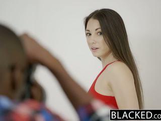 Blacked टीन alexis rodriguez साथ पर्फेक्ट आस loves bbc