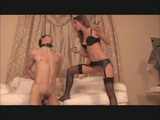Dominazione femminile plays con electro cages schiavo, porno 0a