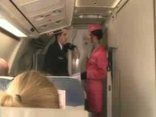 hq pijpen, stewardess kanaal, plezier hardcore vid