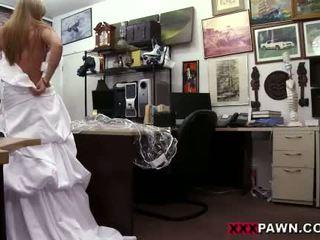 alle bruid mov, kijken pijpbeurt, alle uniform