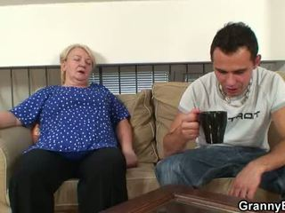60 years 늙은 할머니 sucks 과 rides