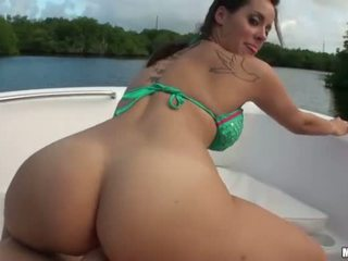 Sexy amateur Mandy Haze analed on a boat