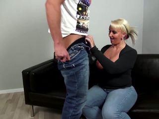 成熟した curvy 母 fucks 若い しない 彼女の 息子: フリー ポルノの 92