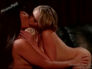ideaal grote tieten neuken, ideaal lesbisch porno, blond