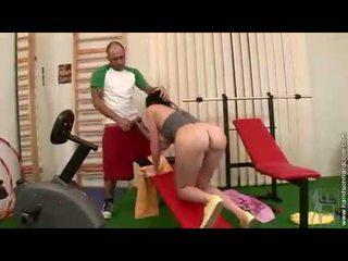 brunettes mov, zien sportschool kanaal, ideaal pornosterren