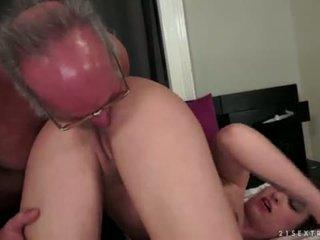 Angelina brill fucks an পুরোনো gentleman
