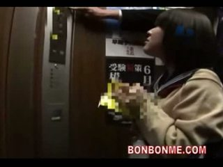 ญี่ปุ่น เด็กนักเรียนหญิง ใช้ปากกับอวัยวะเพศ และ ระยำ โดย คุณครู ใน elevato