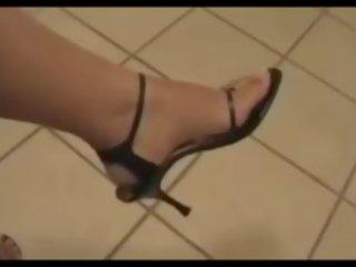 Armenian Sexy Legs and Feet, Free Mobile Feet Porn Video 56