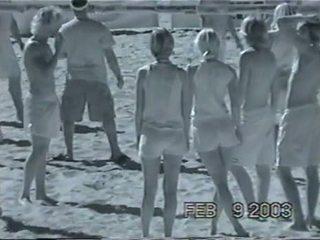 Volley κορίτσια infra κόκκινος xray βλέπω μέσω 1 του 3