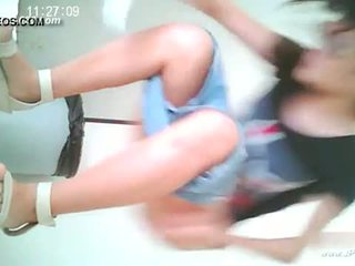Trung quốc cô gái đi đến toilet.10