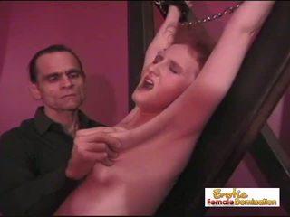 seksspeeltjes neuken, kijken femdom kanaal, een cfnm scène