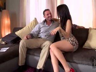 een brunette scène, orale seks, zien deepthroat mov