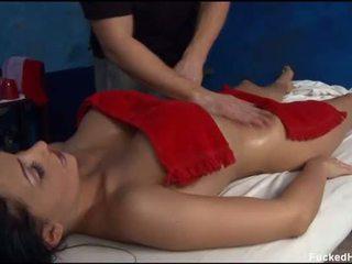 Sexy 18 vit i vjetër vogëlushe gets fucked i vështirë