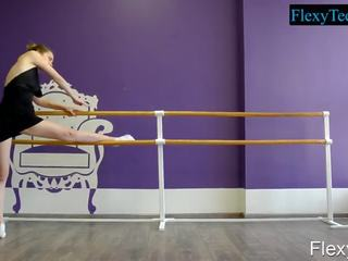 vol brunette neuken, meer gymnast mov, online sport neuken
