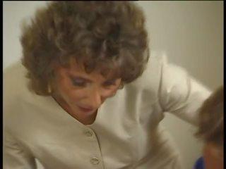 vers oma mov, zien grannies actie, oude + young film