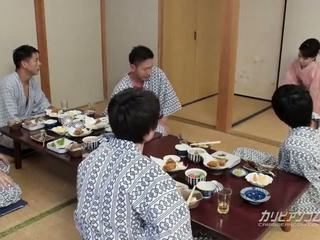 Azijietiškas geisha stripped iki dudes, nemokamai suaugę porno video 6f