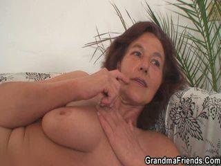 heetste grootmoeder, vol oma kanaal, moms and boys kanaal