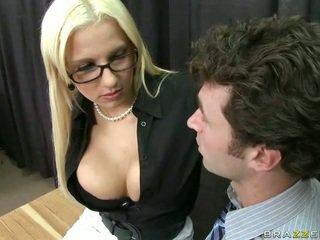 Viņa took viņai darbs līdz atrast smut boners