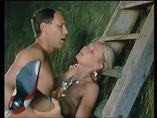 Flying skirts - 1984: staromodno hd porno video 8d