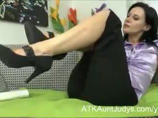 gauruotas pūlingas, masturbacija, moteriški apatiniai drabužiai