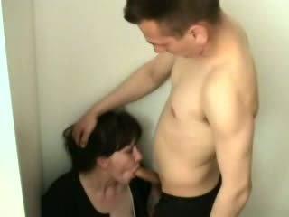 Terangsang laki-laki attacked dan kacau dia ibu tiri video