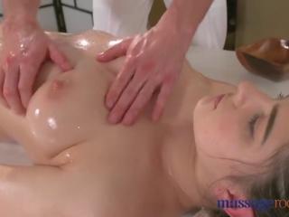 Masaż rooms gorące brunetka has squirting orgazm przed dobry pieprzenie