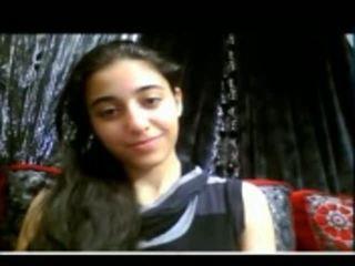 Söt indisk tonårs shows henne snäva fittor på webkamera