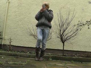 Hd desperately waiting met vol bladder, jeans wetting