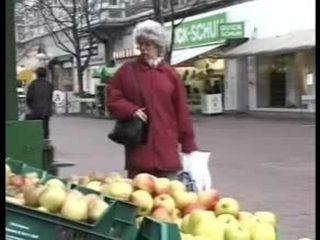 독일의 성숙한 할머니 빌어 먹을 이다 grandson
