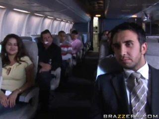 Quente meninas having sexo em um airplane xxx