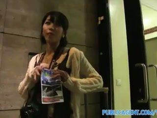 Publicagent صغير اليابانية كس filled مع كبير كوك