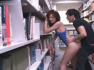 Bibliotek hardcore knulling med hot asiatisk tramp i