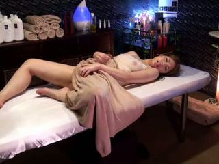 Mosaic: κολλέγιο κορίτσι reluctant οργασμός με masseur