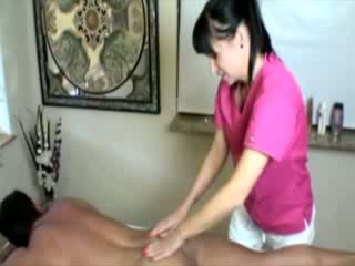 Horny masseuse babe tugging client abd cant get enough