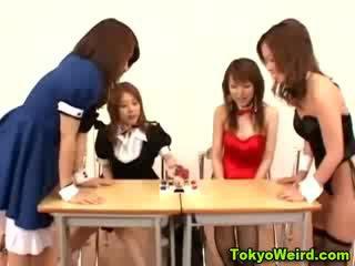 Sexy japans hoes krijgen een cumshot
