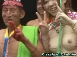 Japānieši uz a papuan tribe!