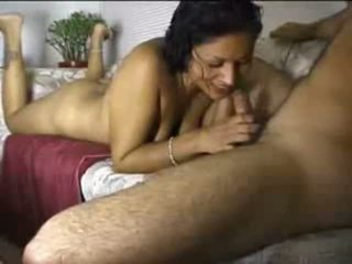 Indisch amateur gal cocksucking shaft
